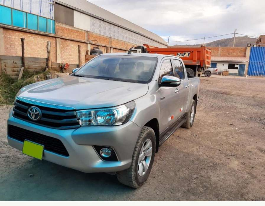 Toyota Hilux 2017 - 65000 km