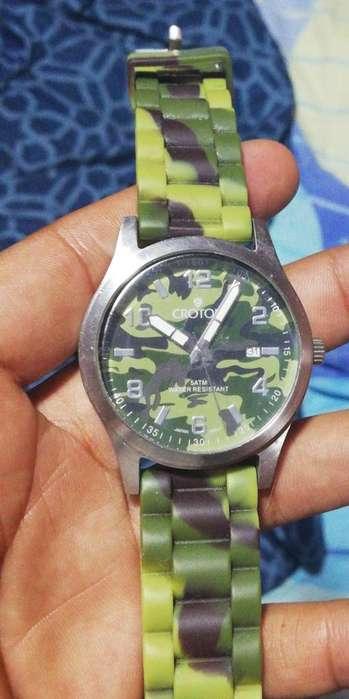 reloj camuflado 9/10 Croton