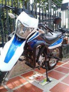 Vendo hermosa Moto Enduro