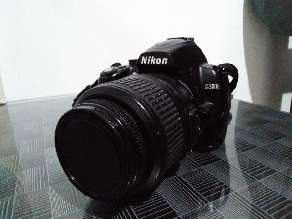 Cámara Nikon D3000-