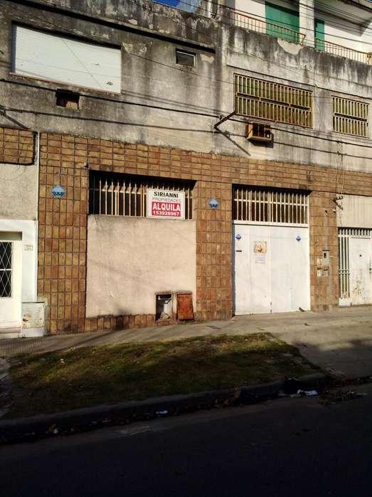 OPORTUNIDAD. Galpón / Deposito, barrio Belgrano (Mendoza 6400 metros)