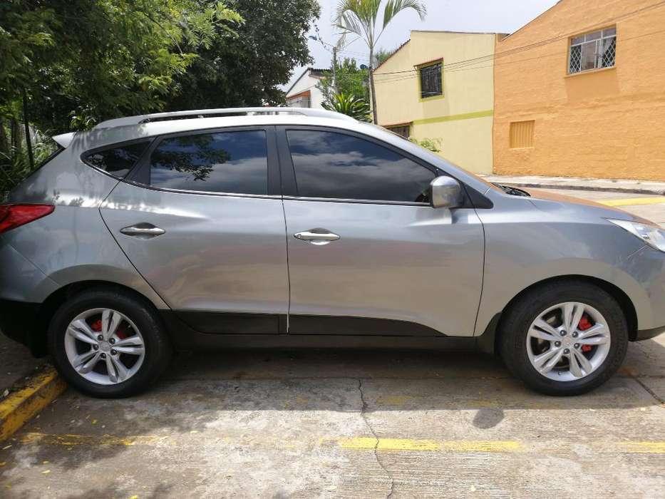 Hyundai Tucson ix-35 2012 - 77300 km