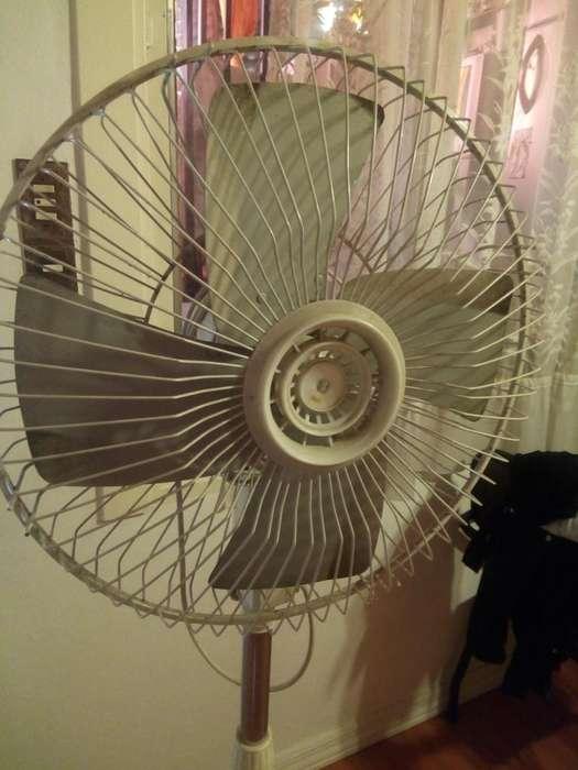 <strong>ventilador</strong> de Pie Palas Metal en Rosario