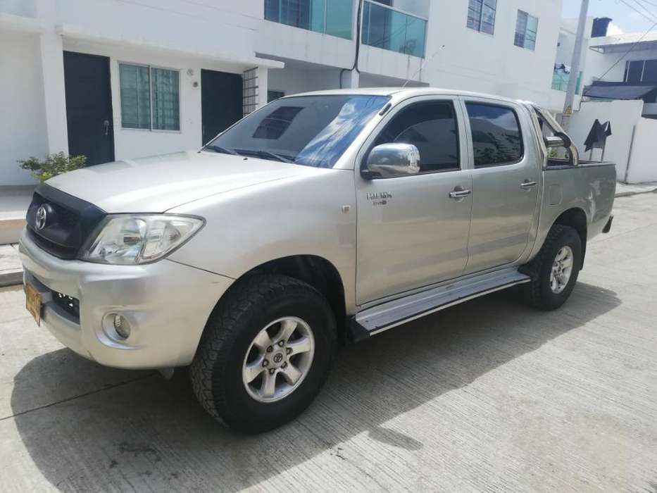 Toyota Hilux 2009 - 321 km