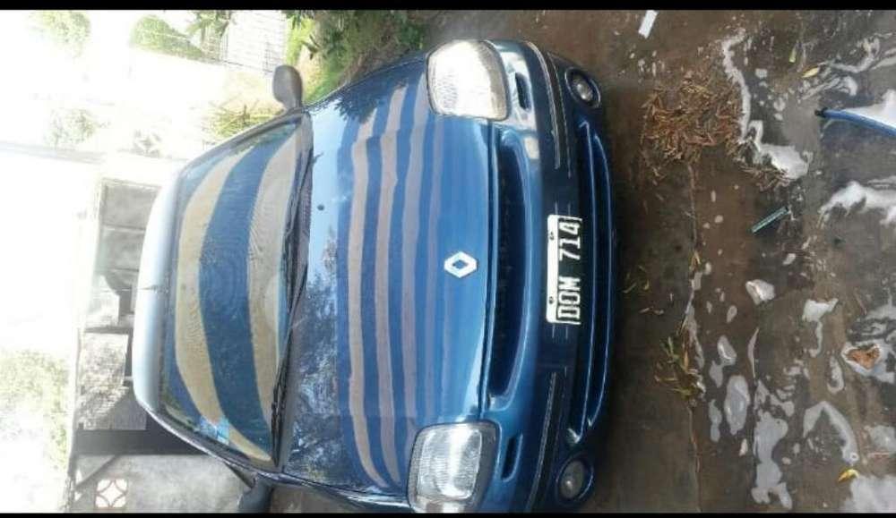 Renault Clio  2000 - 200 km