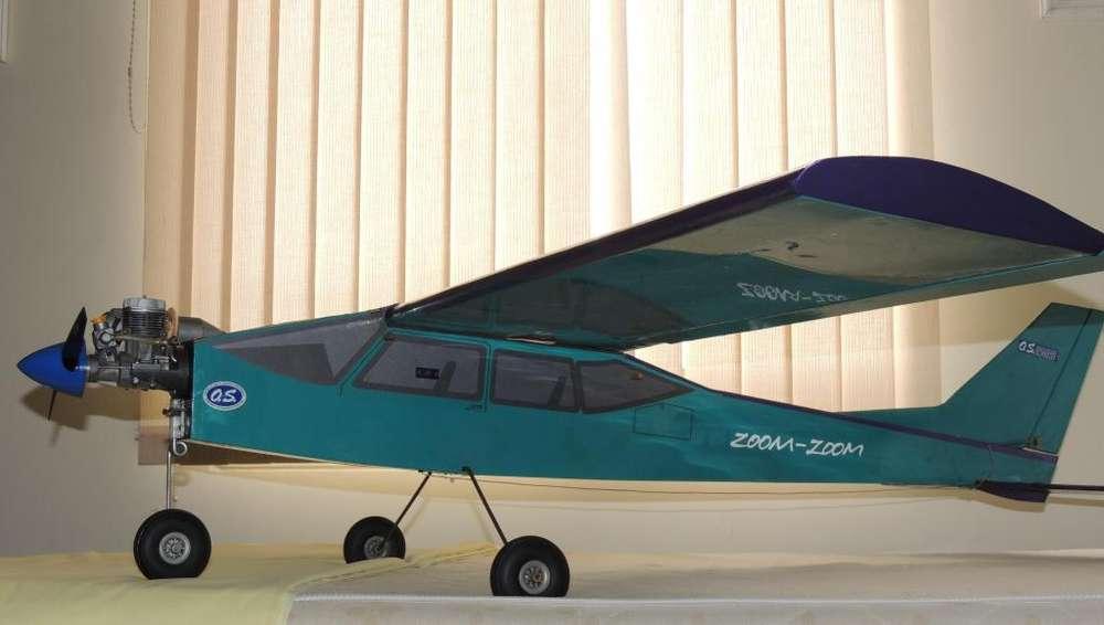 Avion a control remoto RC, Aerostar 40 con radio Futaba 6x motor OS 46. USADO SOLO PARA VENTA NO CAMBIO