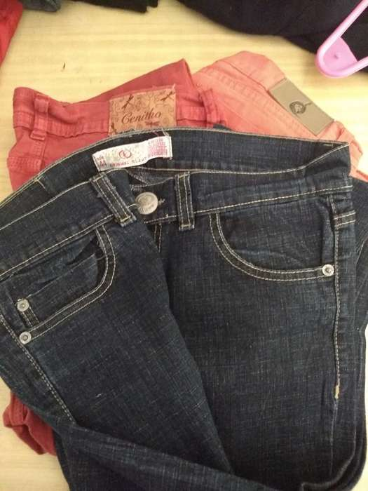 <strong>jeans</strong>. Talle 42-44. Usado