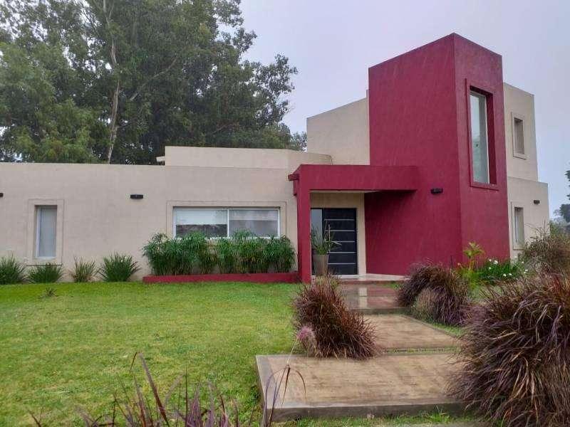 Muy linda casa en alquiler y en venta