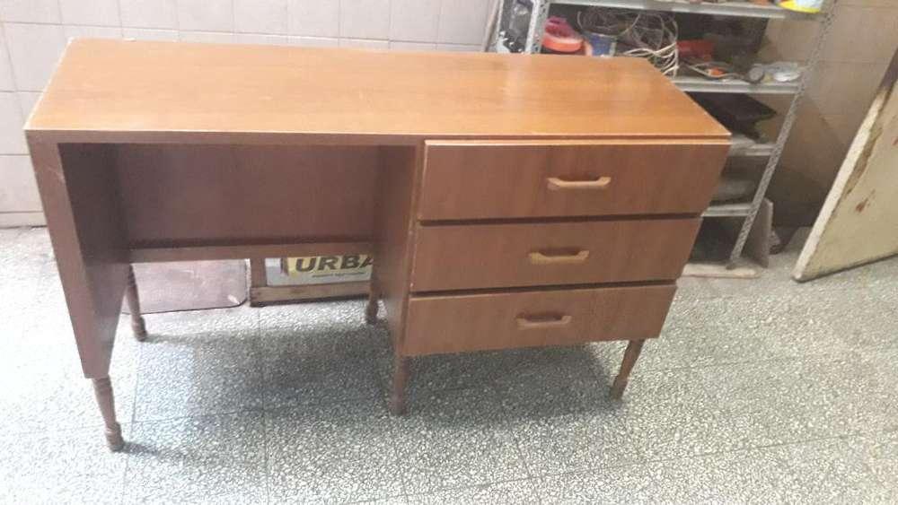 <strong>escritorio</strong> Mediano