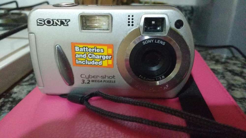 Camara de foto Sony De regalo estuche