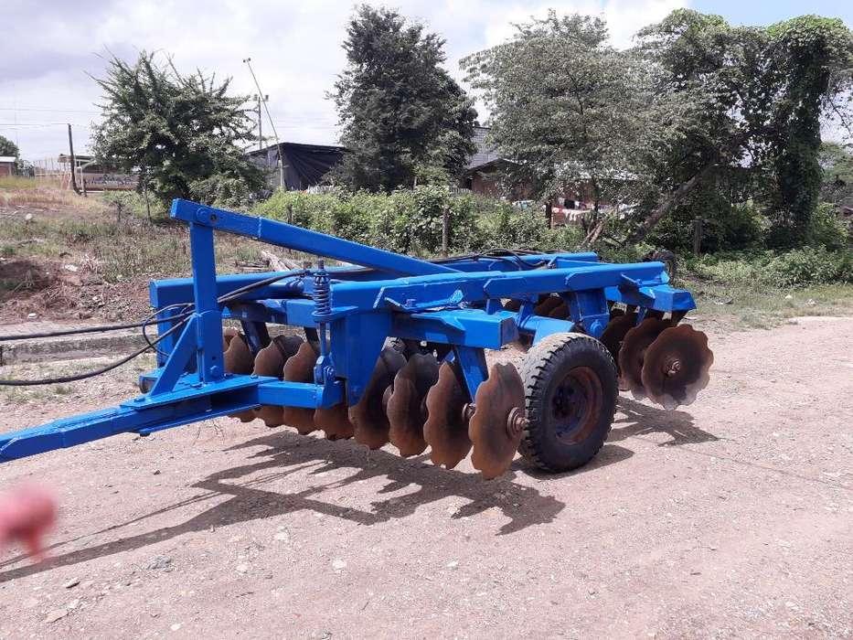 Se Vende Tractor New Hollan en Buen Estd