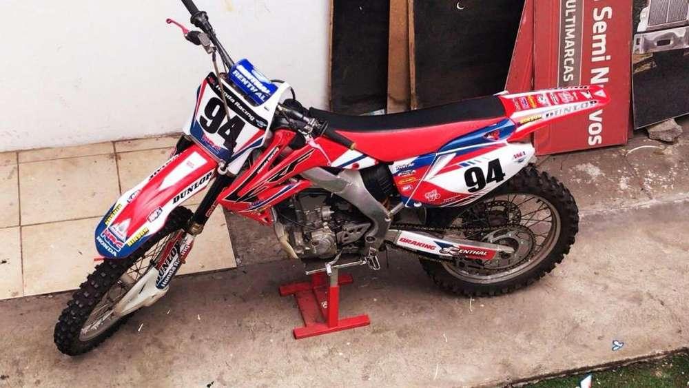 VENDO FLAMANTE <strong>honda</strong> CRF 250