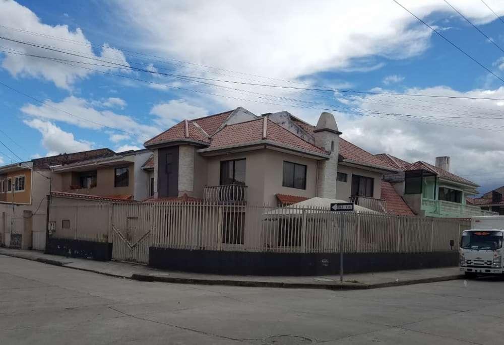 C520 Amplia Casa a la Venta, con acabados de primera Sector Control Sur