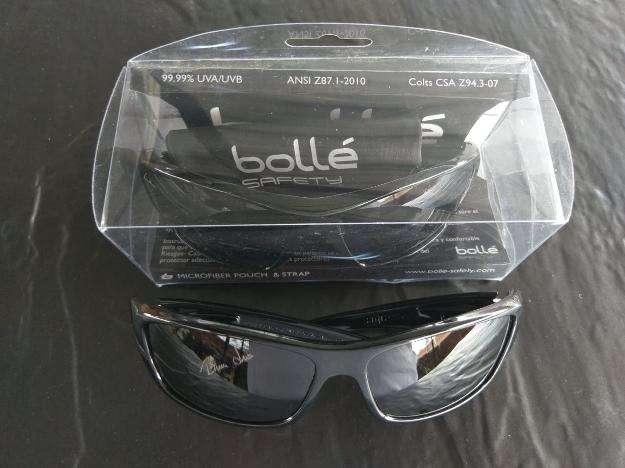Gafas oscuras industrial y casual marca bollé