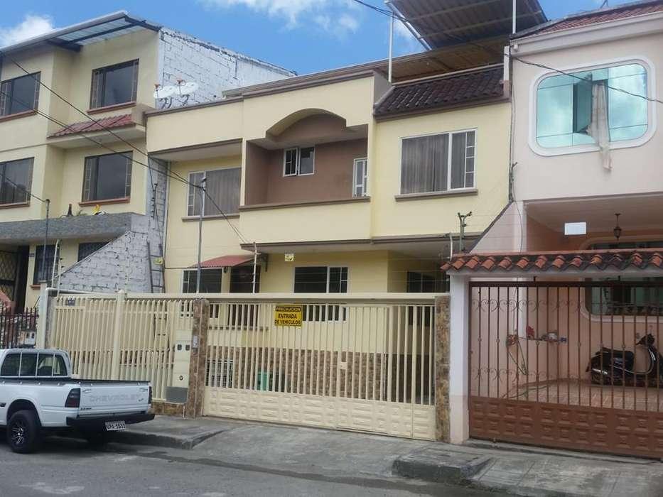 Vendo casa Rentera en Urb. Los Cipres
