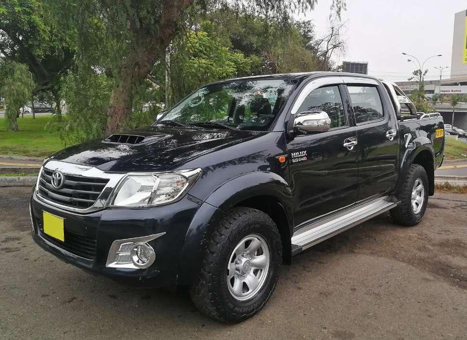 Toyota Hilux 2015 - 45000 km
