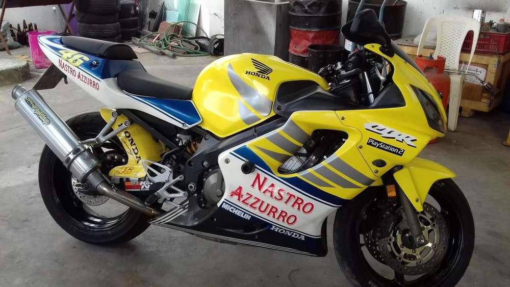 VENDO FLAMANTE <strong>honda</strong> CBR 600 2003