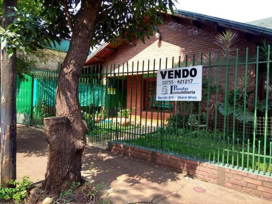 VENDO AMPLIA CASA CENTRICA- OBERA us 136.363 # 302849 LED
