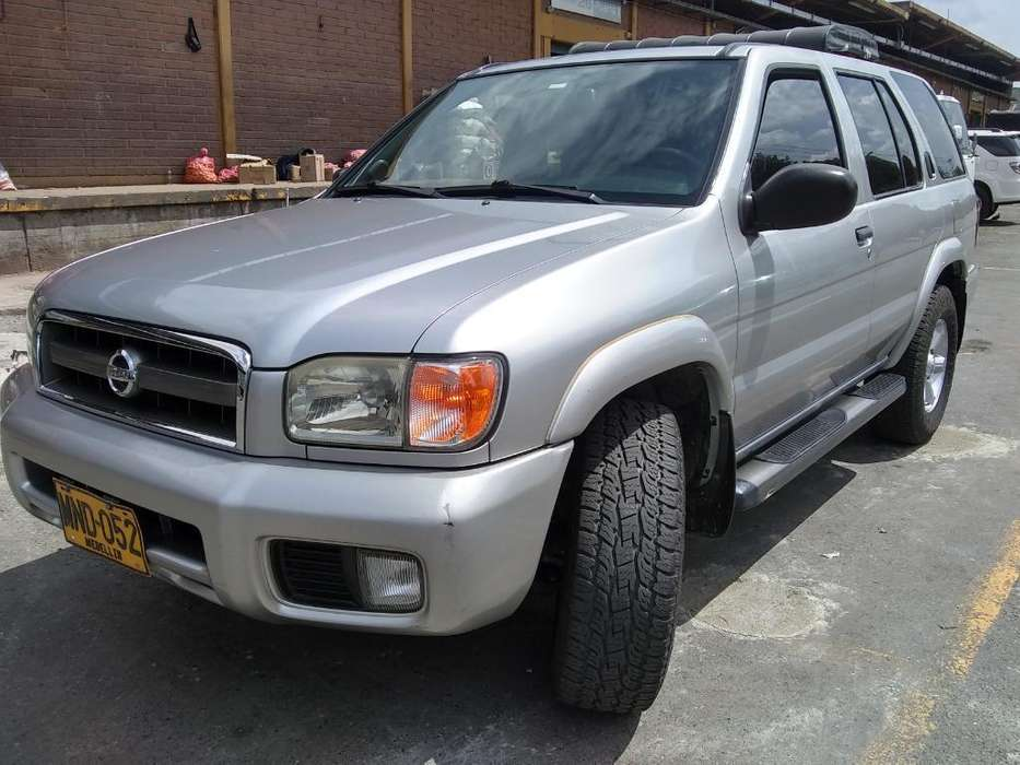 Nissan Pathfinder 2005 - 237800 km