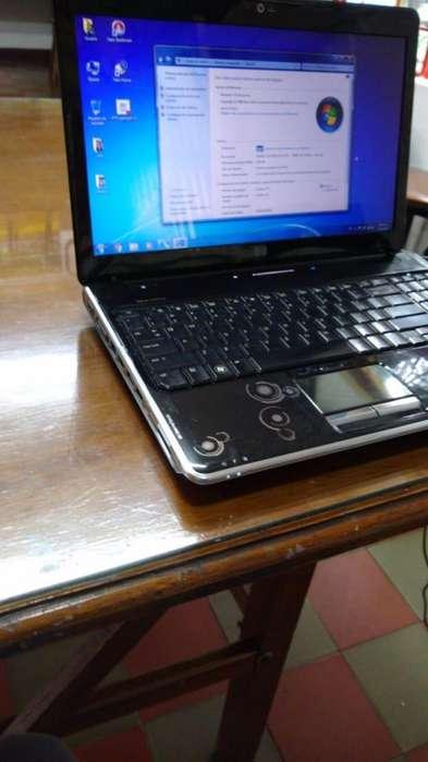 laptop negro muy buen estado