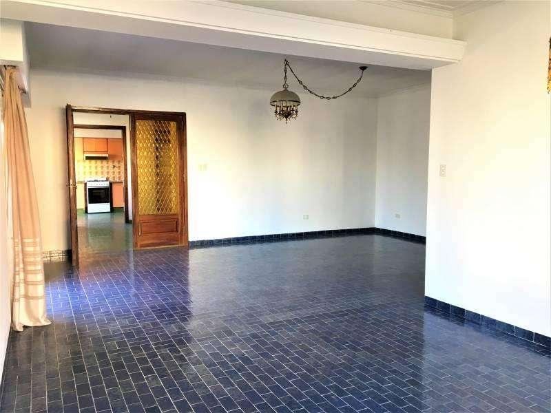 Casa de tres Habitaciones apta vivienda u oficinas Área Centro Este – NEUQUÉN