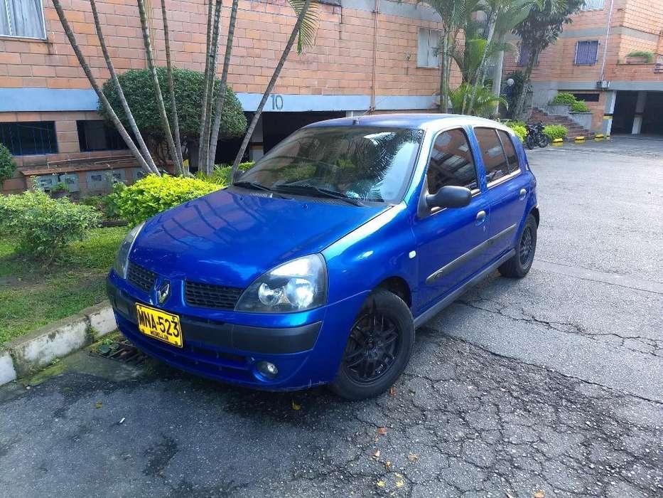 Renault Clio  2004 - 165000 km