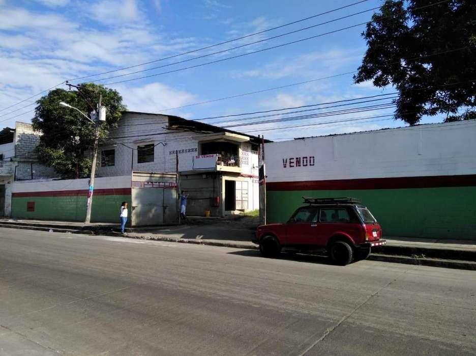 Venta de Galpon Bodega Via Daule km 5.5 cerca de Mapasingue, Ceibos y Quisquis, Norte de Guayaquil.
