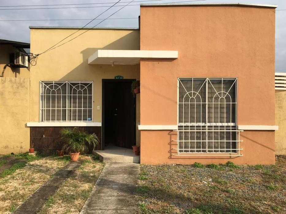 Casa en Venta en la Urb. La Joya Etapa Quarzo, Vía Aurora