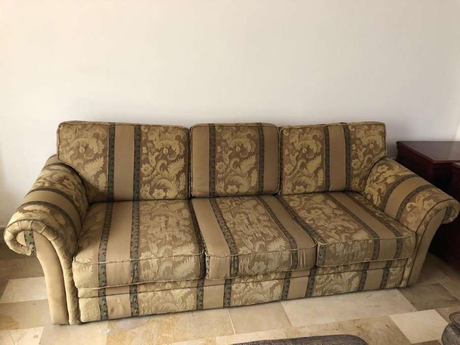 Vendo sofa de tres cuerpos de damasco importado en perfecto estado