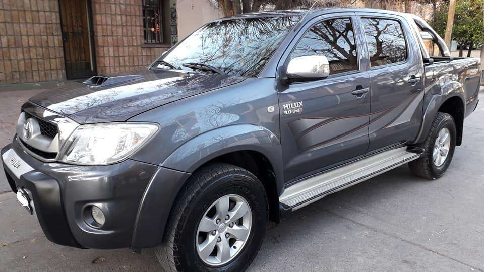 Toyota Hilux 2011 - 150000 km