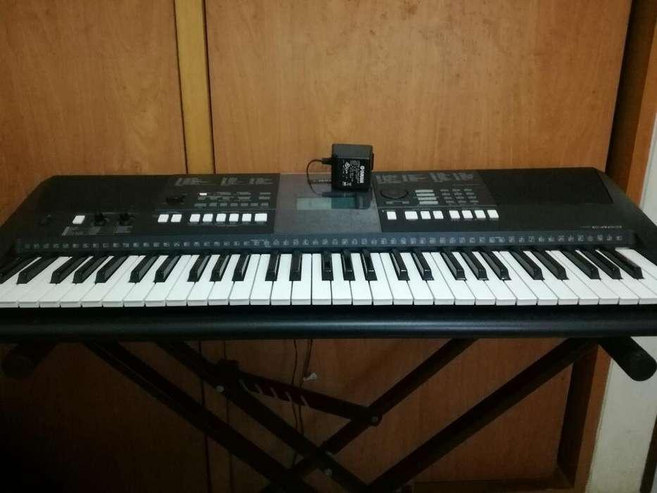 Piano Yamaha Psre423