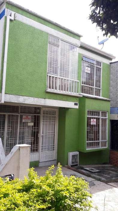 Se Arrienda Casa en Santelmo 1, Piedecuesta, Santander