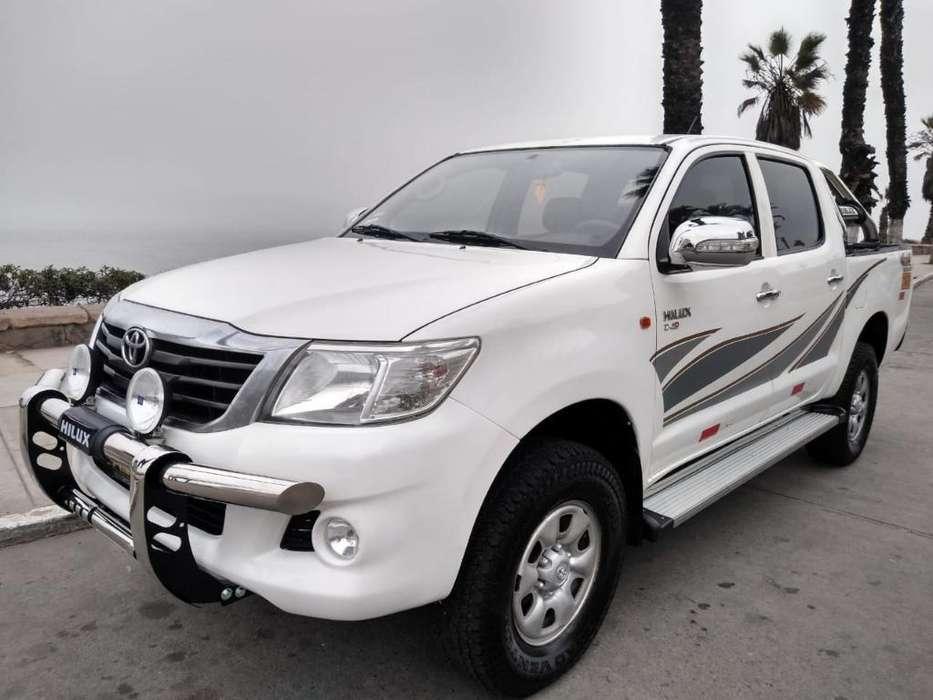 Toyota Hilux 2013 - 85000 km