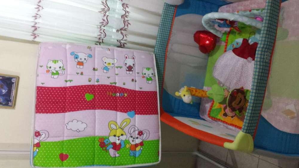 colchón cuadrado para bebe de niña