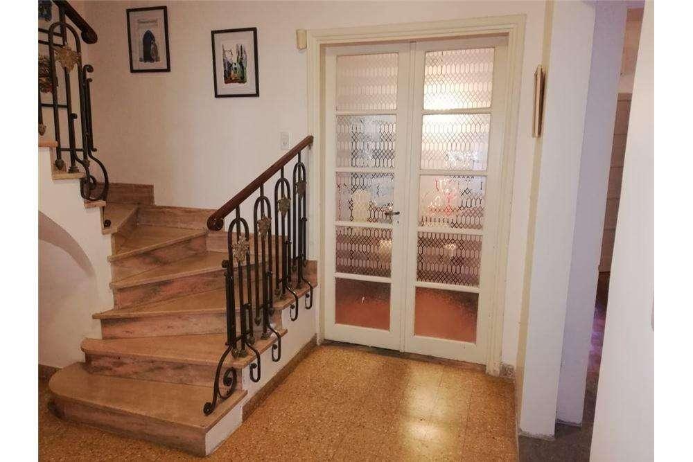 Venta casa 3 dormitorios  estudio jurídico
