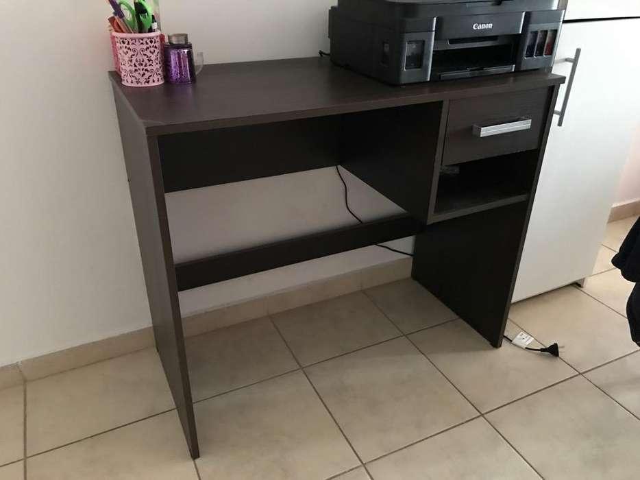 <strong>escritorio</strong> con Cajon