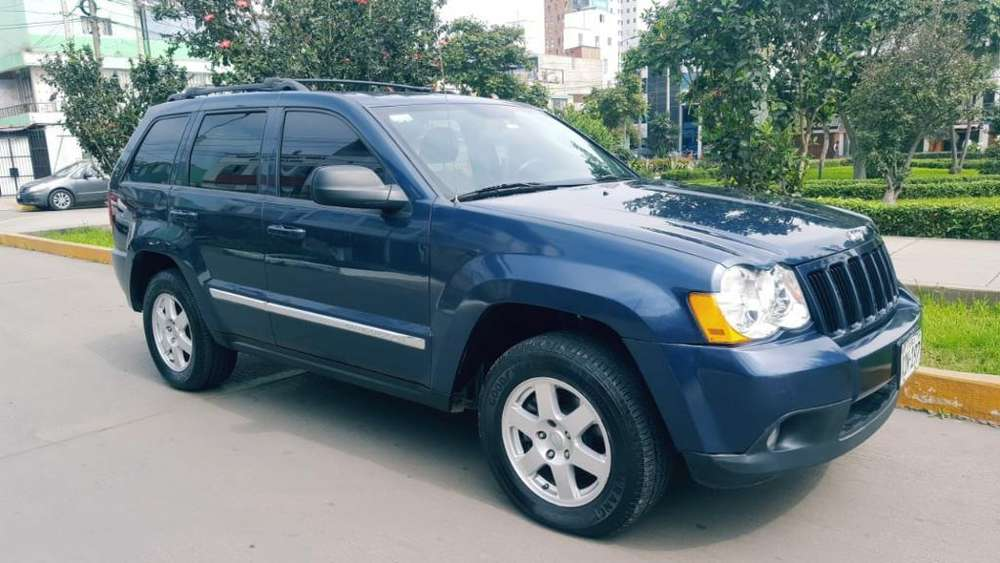 JEEP Cherokee Laredo 2010 - 78000 km