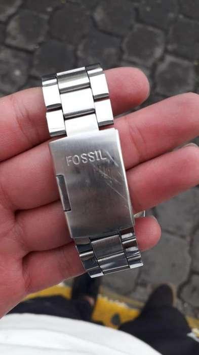 Hermoso reloj fossil