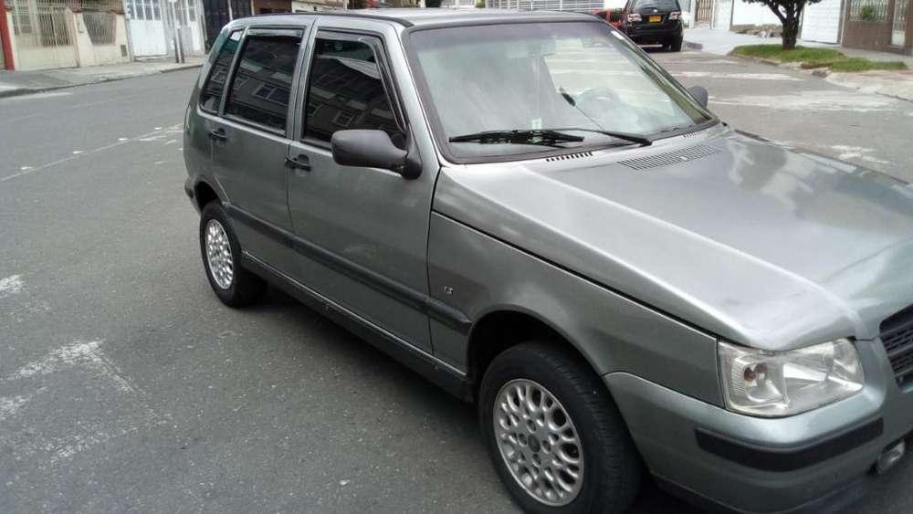 Fiat Uno  2005 - 200 km