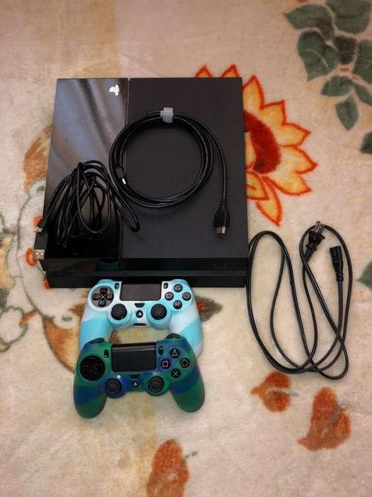 Vendo PS4 de 500 GB con dos controles en perfecto estado incluidos 5