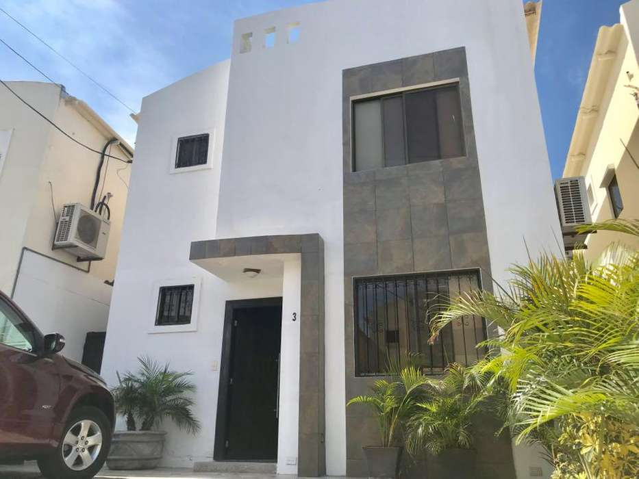 Se vende casa remodelada al Sur de Manta - wasi_1536712
