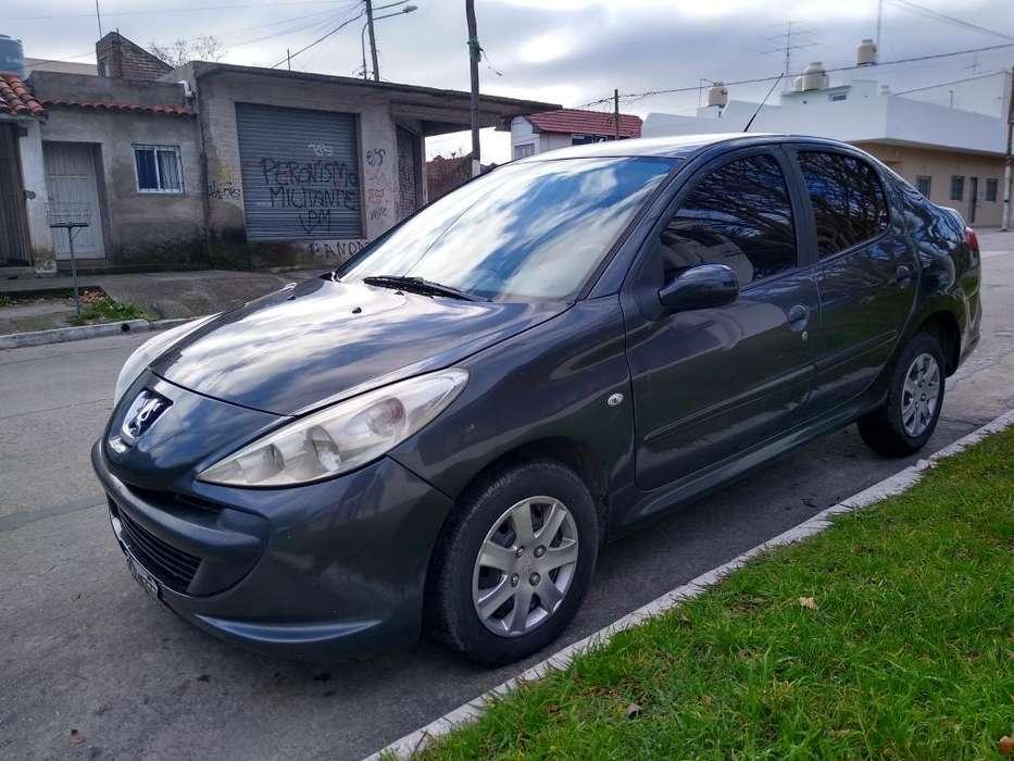 Peugeot 207 Compact 2009 - 140000 km