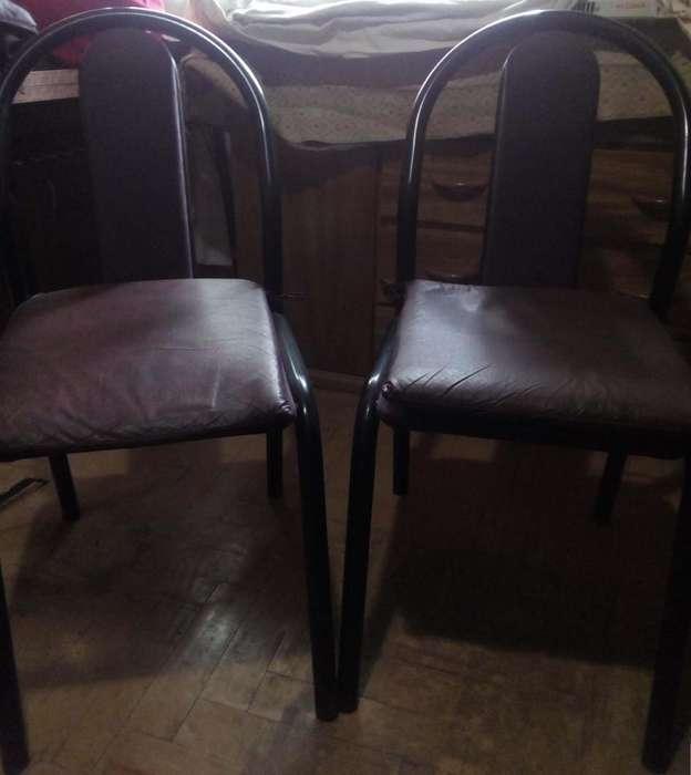 Mesa y <strong>silla</strong>s