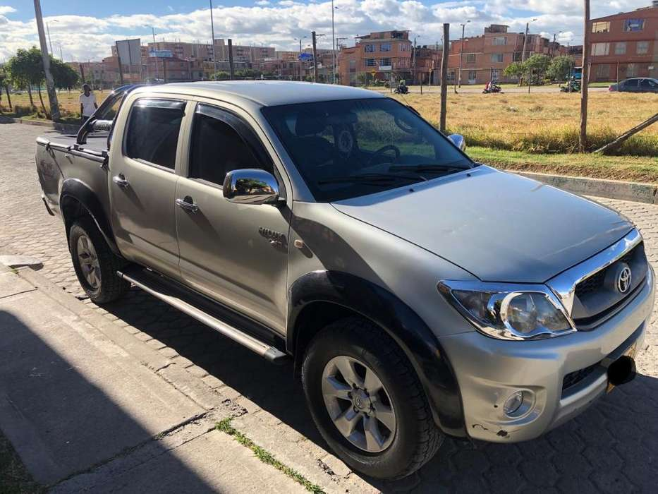 Toyota Hilux 2011 - 125000 km