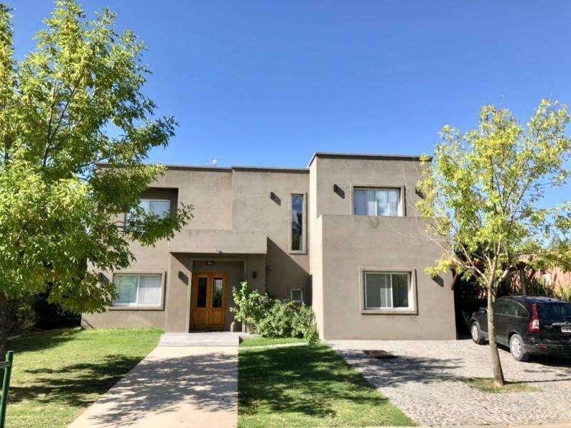 Muy linda casa en San Isidro Labrador