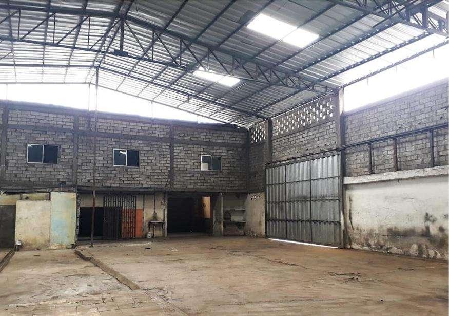 Venta Bodega / Galpon Esquinero Sector Industrial, Via a Daule km 5.5 Principal, Cerca Mapasingue, Norte de Guayaquil.