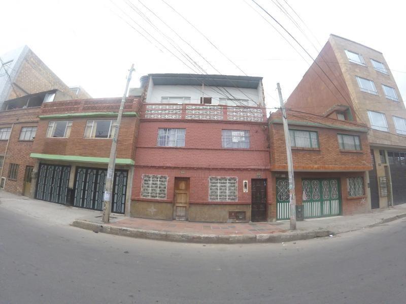 Cod. VBSEI3786 Casa En Venta En Bogota San Carlos Tunjuelito