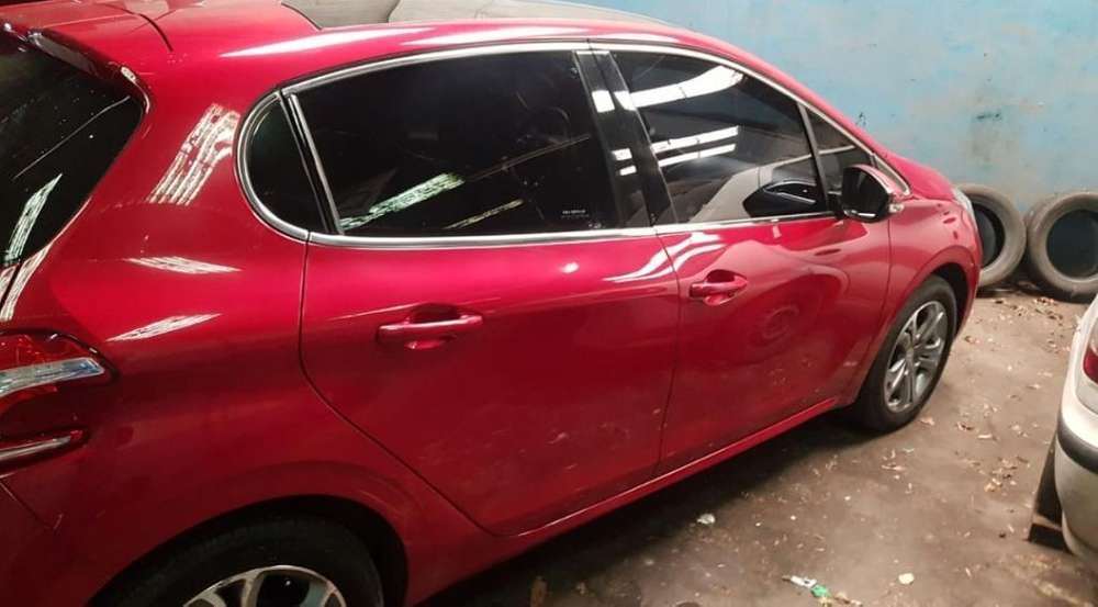 <strong>peugeot</strong> 208 2015 - 89000 km