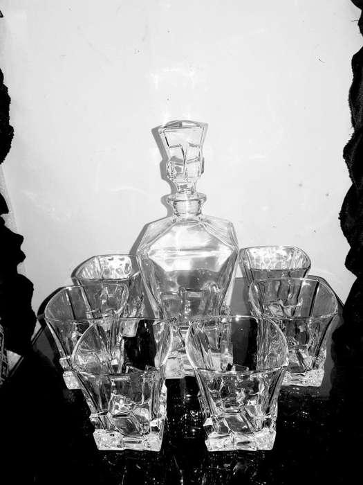 Juego de Licorera de Cristal