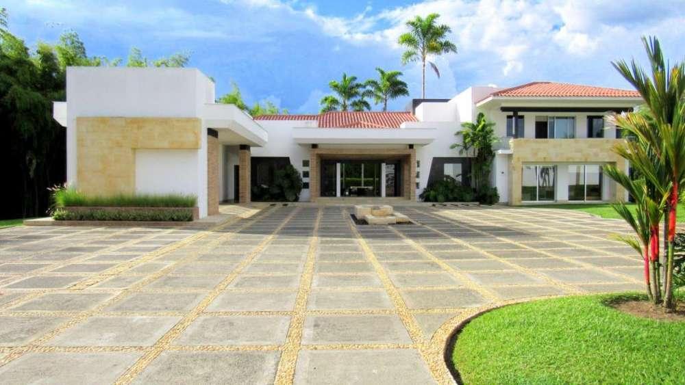 Majestuosa casa campestre en Malabar Condominio Campestre. Cerritos. Pereira - Colombia.